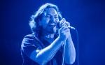 Eddie Vedder, vocalista do Pearl Jam, encerrou com chave de ouro o último dia do Lollapalooza Brasil (1)