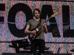 Os ingleses do FOALS com seu indie rock colocando todo mundo pra dançar no Palco Butantã